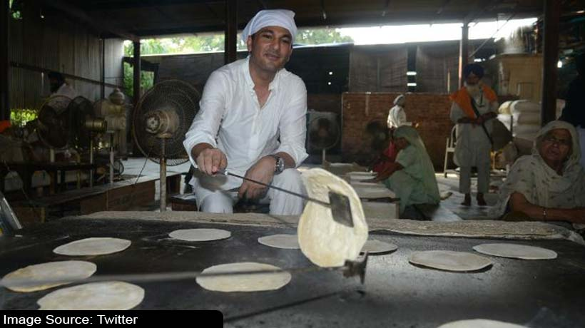 indian-michelin-star-chef-'vikas-khanna'-feeds-millions-across-globe