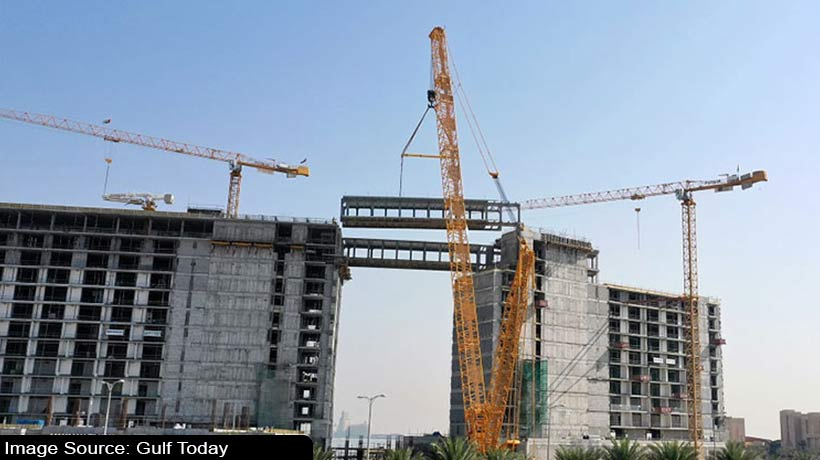 dubai:-this-suspended-bridge-hotel-features-8-rooms