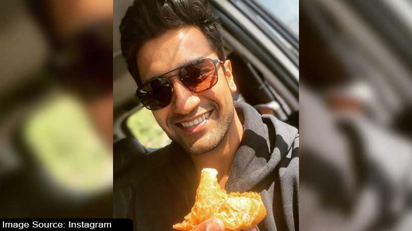 samosa-surprise-for-'perpetually-hungry'-vicky-kaushal