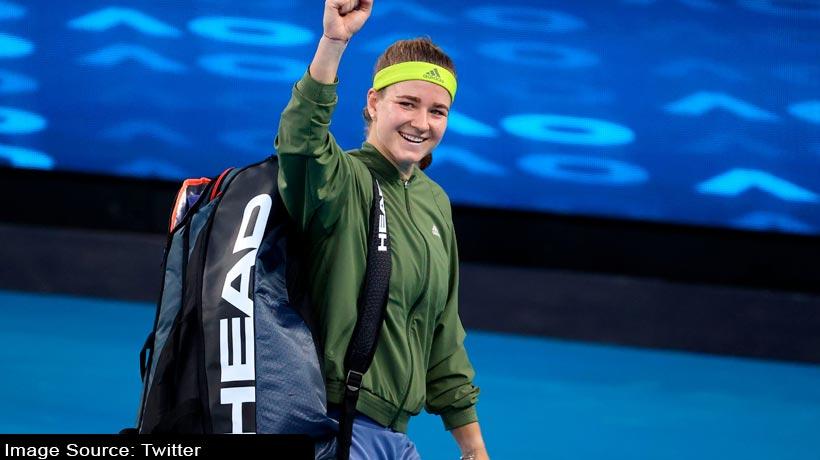 australian-open:-karolina-muchova-beats-world-no.-1-to-reach-semis