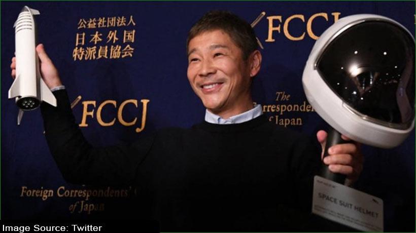 japanese-billionaire-invites-people-to-join-him-on-moon-trip