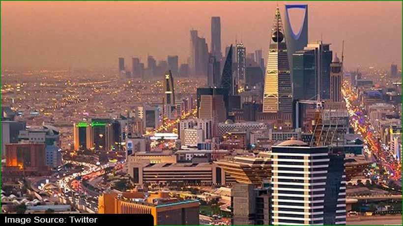 covid-19:-saudi-arabia-closes-8-mosques-for-sterlisation
