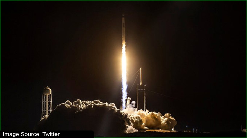 spacex-successfully-launches-falcon-9-with-60-starlink-satellites
