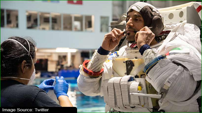 uae-astronaut-al-neyadi-attends-underwater-training-for-future-missions