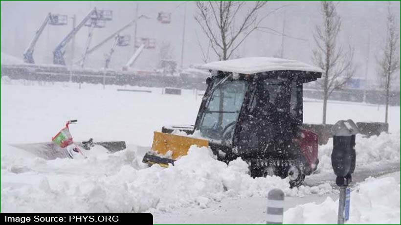 denver-airport-reopens-after-powerful-winter-storm