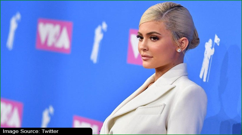 billionaire-kylie-jenner-massively-trolled-for-seeking-donations-from-fans