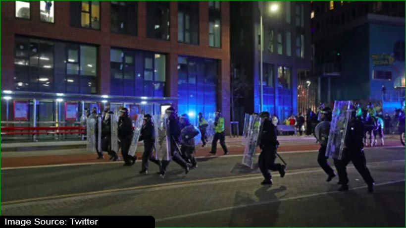 uk-pm-condemns-'disgraceful-attacks'-on-police