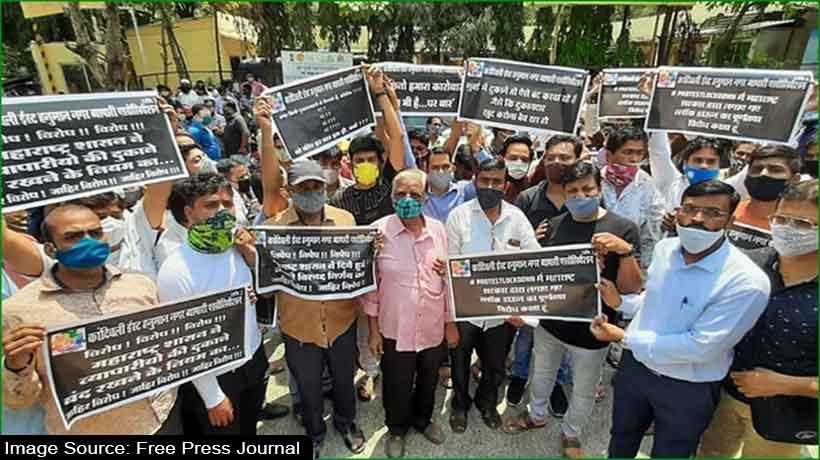 Mumbai shopkeepers protest partial lockdown