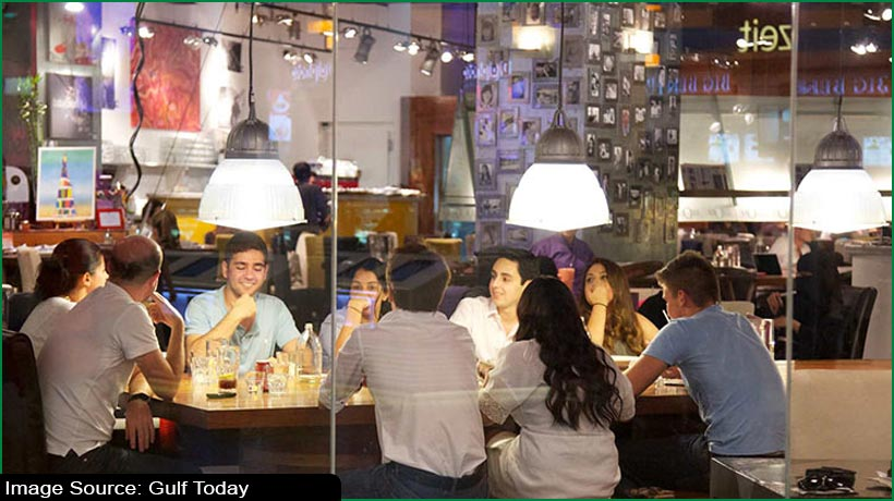 dubai-eateries-can-now-fast-without-screens-during-fasting-hours