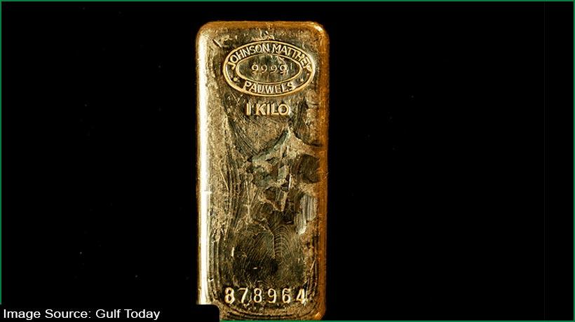 gold-falls-against-firm-dollar-us-treasury-yields