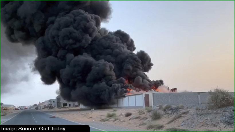 umm-al-quwain-civil-defence-department-extinguishes-fire-at-warehouse