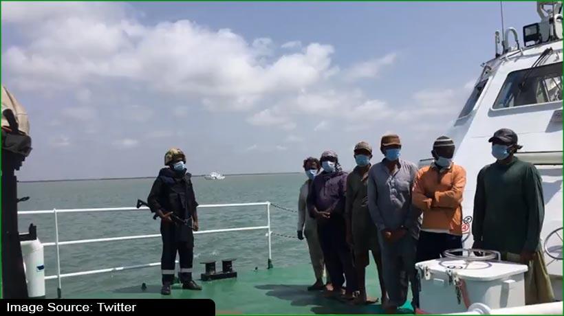 india-seizes-pakistani-boat-with-30kg-heroin