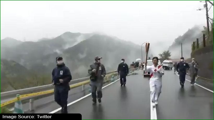 Tokyo Olympics: Torchbearer performs Awa dance during relay