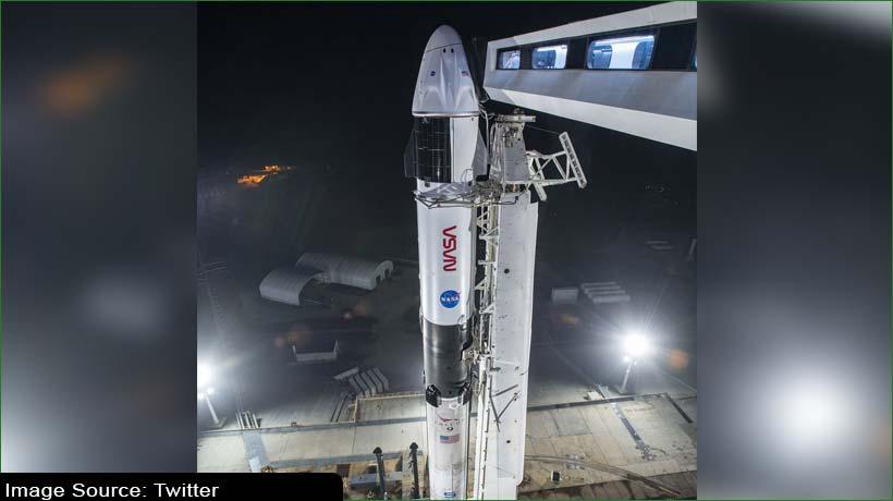 elon-musk's-spacex-wins-nasa-contract-for-lunar-lander-beat-jeff-bezos