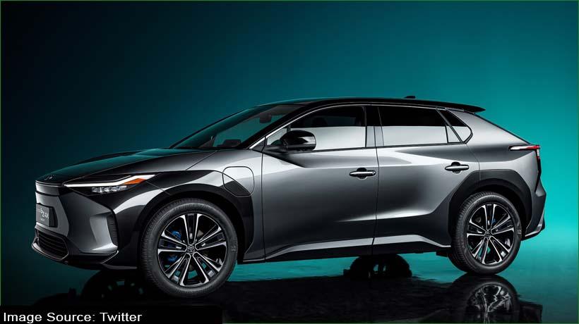 टोयोटा ने शंघाई ऑटो शो में अपने bZ4X इलेक्ट्रिका कॉन्सेप्ट का खुलासा किया