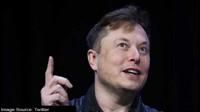 Tesla bundles solar panels, roof with Powerwall batteries