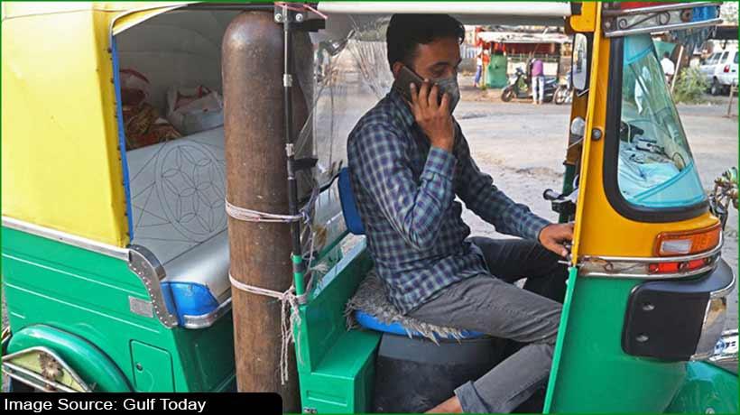 Man turns rickshaw into mini ambulance to help COVID-19 patients
