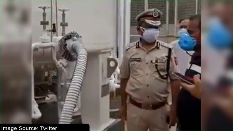 आईपीएस डॉ. मुक्तेस चंदर ने सुधारा ऑक्सीजन का लीकेज