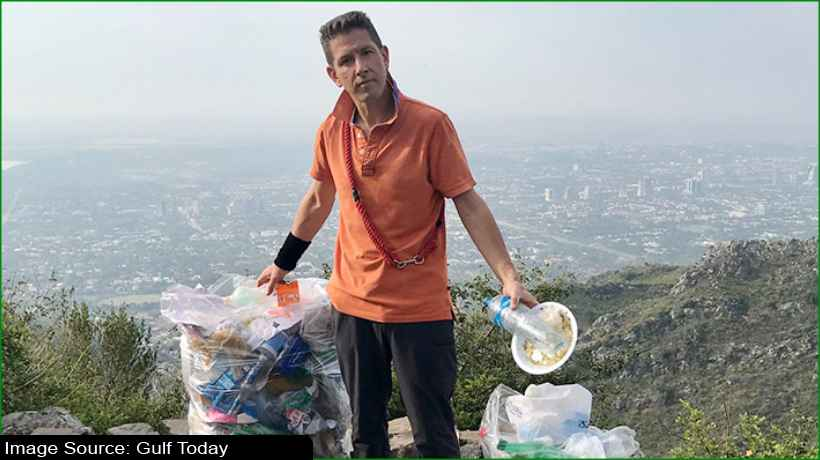 british-envoy-collects-trash-reminds-people-of-religious-obligation