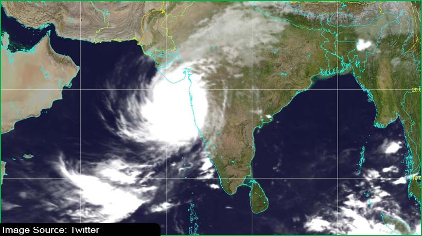 indian-author-shares-image-of-monstrous-cyclone-tauktae