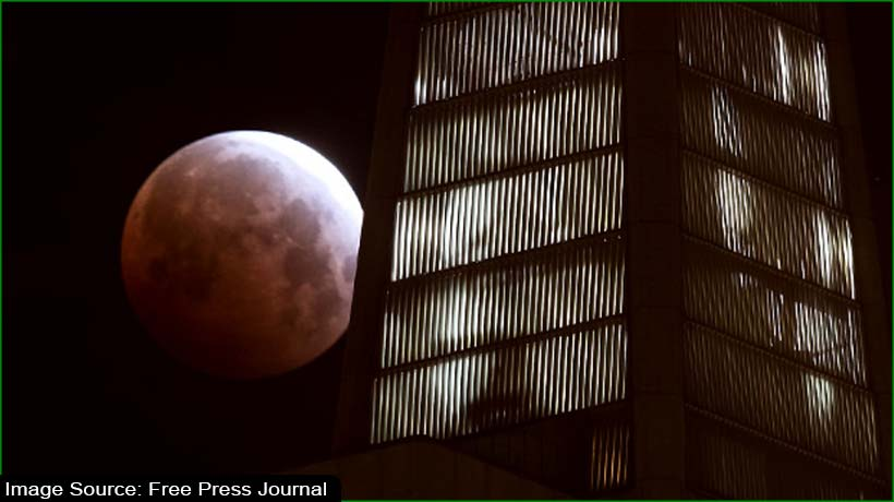 super-blood-moon-draws-reverence-around-the-world
