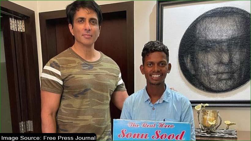 Sonu Sood's fan walks barefoot to Mumbai from Hyderabad to meet him