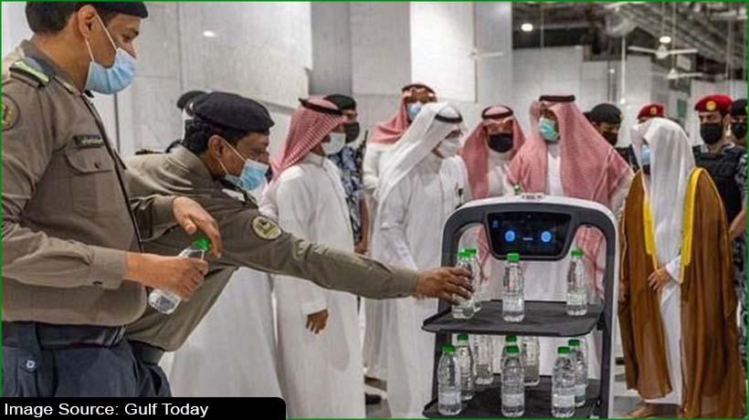 smart-robot-will-distribute-zamzam-water-at-makkah-and-madinah-mosques