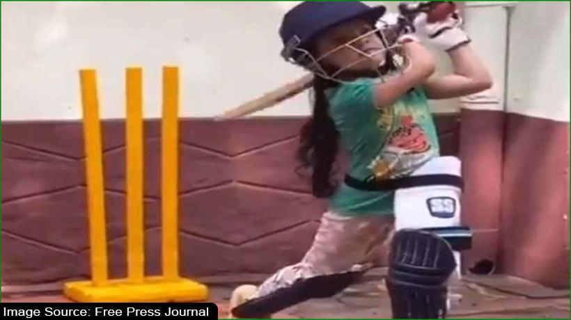वायरल वीडियो: छह साल की महक कर रही शानदार बल्लेबाजी