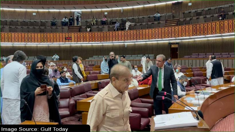 lawmakers-plunge-pakistan-national-assembly-into-chaos