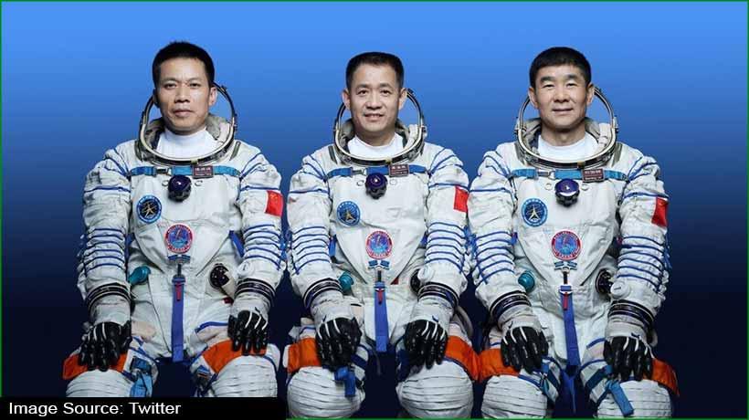चीन के अंतरिक्ष यात्रियों ने स्पेस में लगाया वाई-फाई