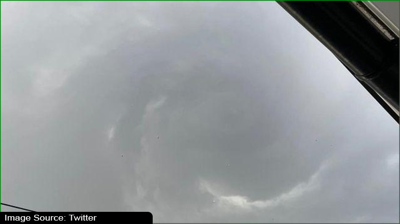 tornado-wreaks-havoc-in-east-london