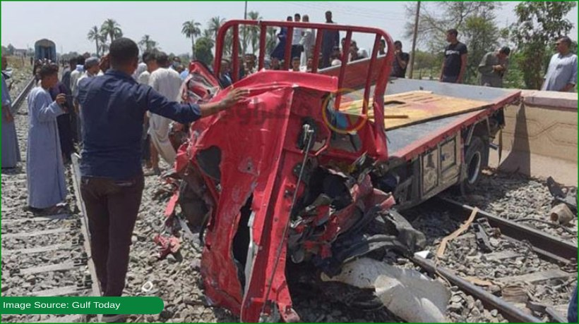 train-smashes-into-a-truck-in-egypt-driver-dies