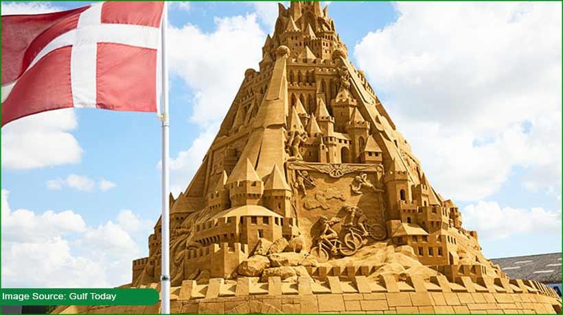 dutch-scupltor-builds-world's-tallest-sandcastle-in-denmark