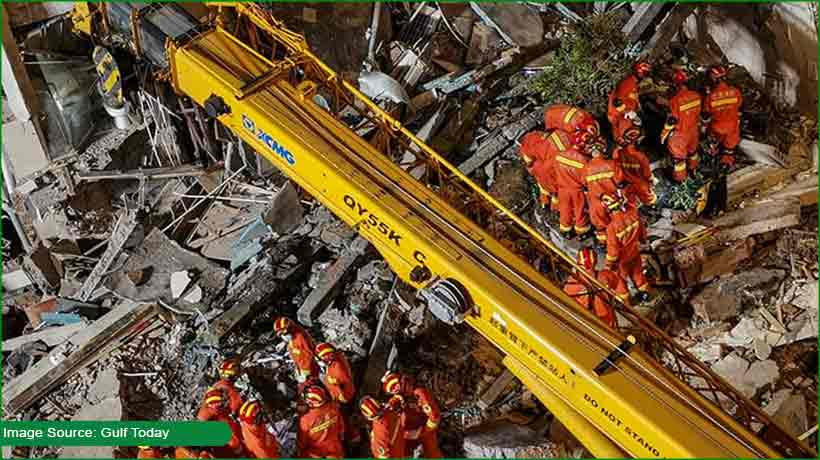china-hotel-collapse-kills-8-people-9-still-missing