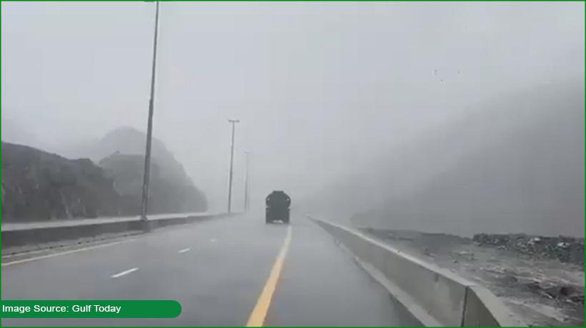 heavy-rain-brings-temperature-down-in-sharjah-abu-dhabi
