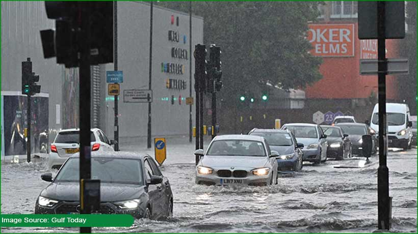 heavy-rains-force-authorities-to-suspend-movement-of-buses-cars-in-london