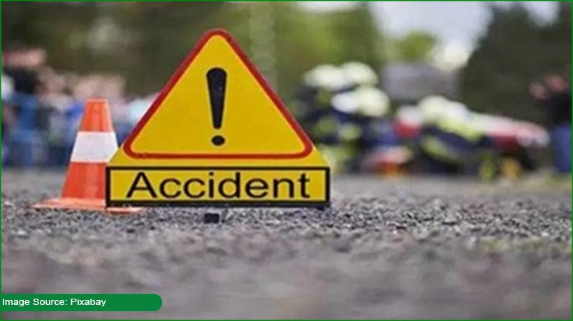 18-killed-after-speeding-truck-hits-bus-in-up's-barabanki