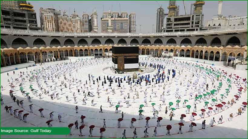 saudi-arabia:-visit-visa-holders-can-now-perform-umrah