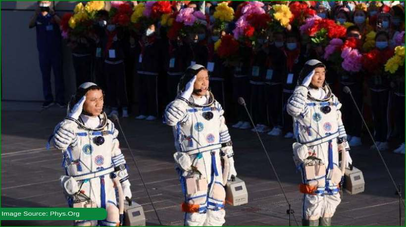 chinese-astronauts-return-to-earth-after-china's-longest-ever-mission