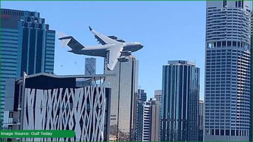 brisbane-residents-frightened-as-military-plane-flies-between-skyscrapers