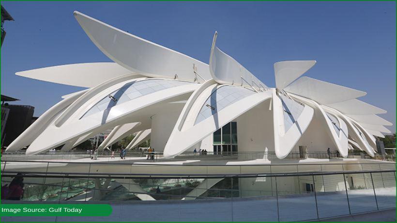 dubai-ruler-visits-uae-pavilion-on-day-one-of-expo-2020