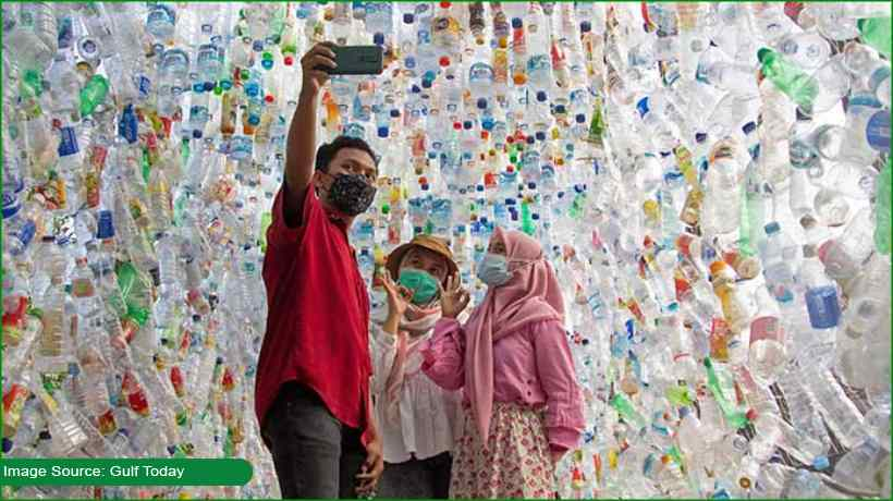 this-museum-is-made-of-plastic-bottles