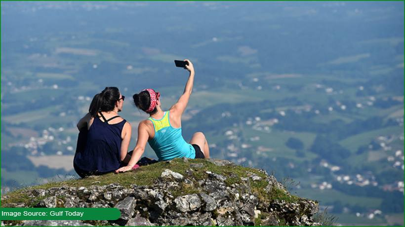did-you-know-how-may-people-died-while-taking-selfies