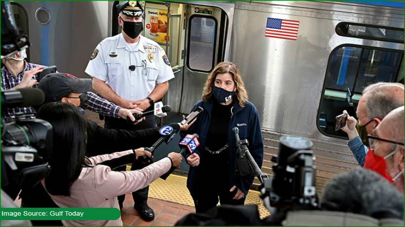 passengers-film-as-man-assaults-woman-on-train