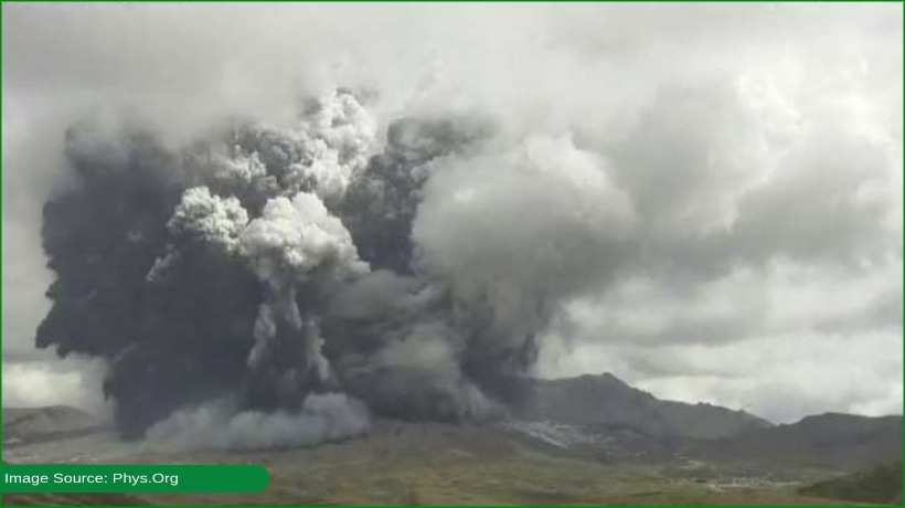 volcano-erupts-in-southern-japan